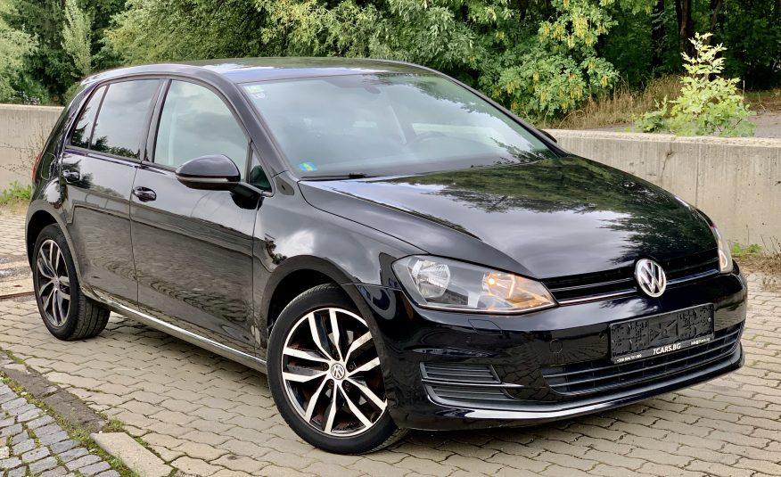 Volkswagen / Golf VII 1.6 TDI Comfortline BlueMotion Tech
