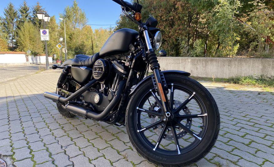 Harley-Davidson Sportster 883 IRON*2017*Vance&Hines